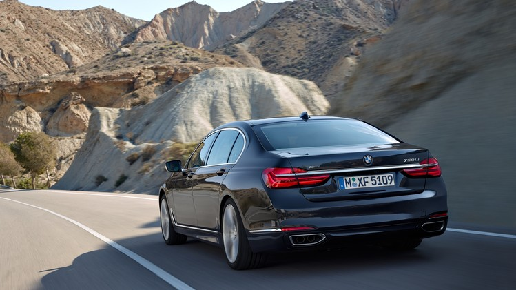 BMW 7 Serie Official 2016 003