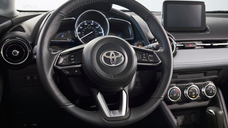 Toyota Yaris Hatchback USA 2020 5