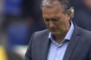Robert Maaskant barst in tranen uit. © Screenshot