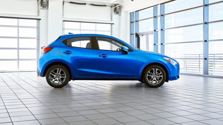 Toyota Yaris Hatchback USA 2020 2