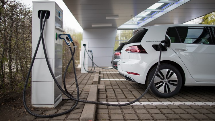 Volkswagen AG Unveil Solar Powered E-charging Station
