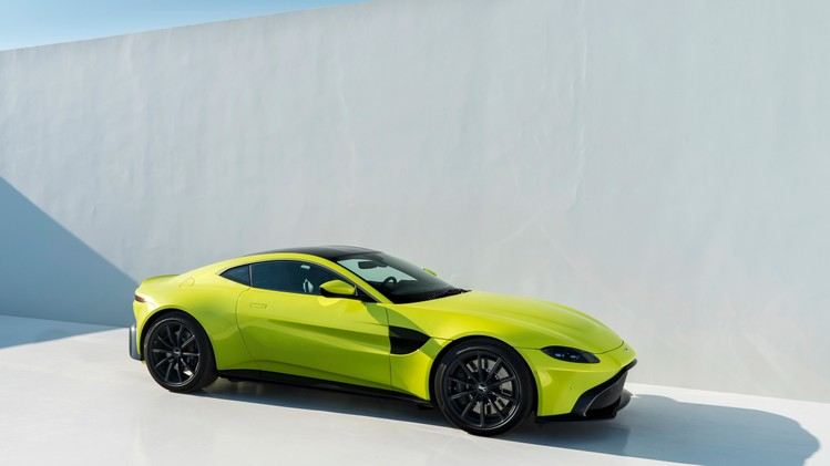 aston-martin-vantage_lime-essence_10
