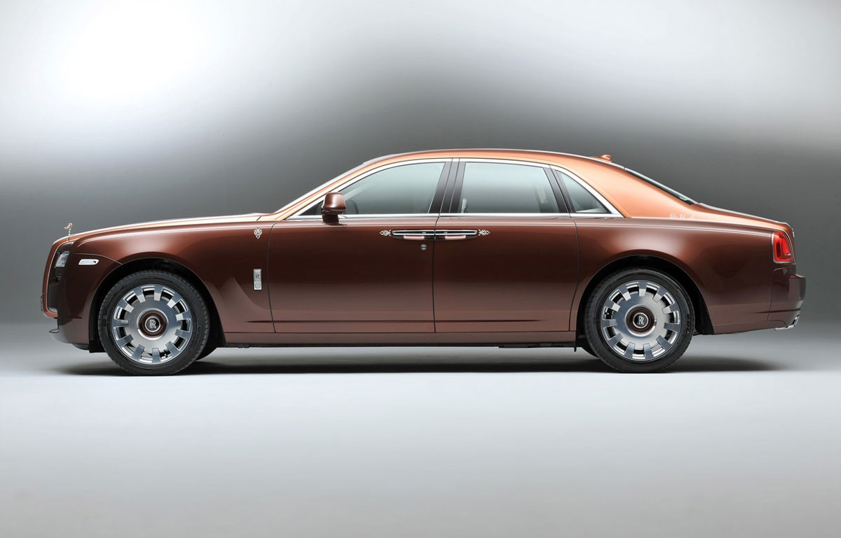 Rolls-Royce-One-Thousand-and-One-Nights-Ghost-Collection-camels-not-included