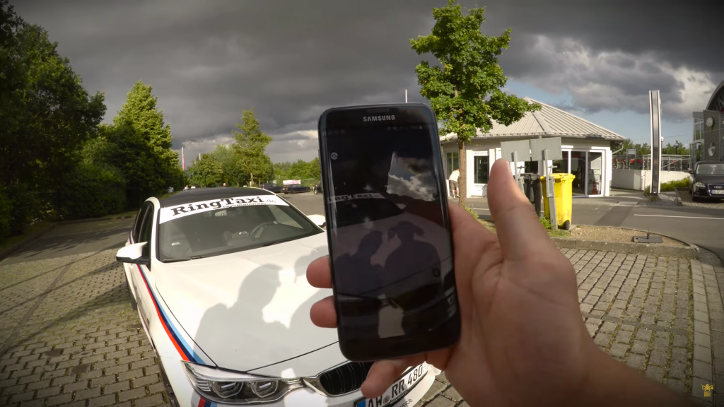 Pokémon GO in de BMW M4 Ring-taxi op de Nürburgring