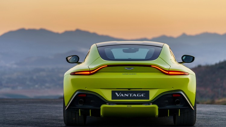 aston-martin-vantage_lime-essence_22