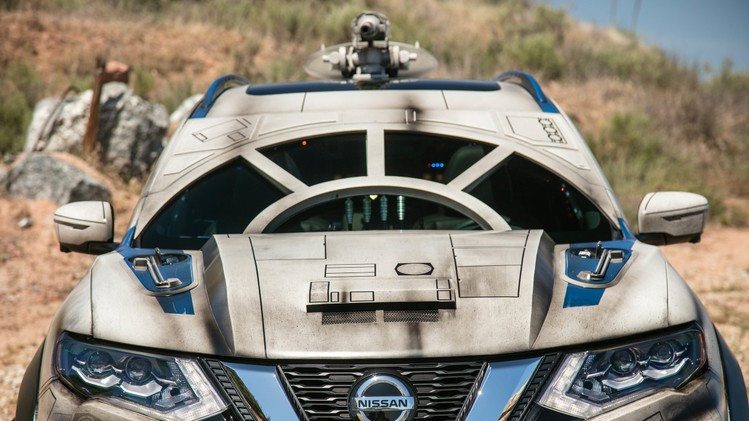 nissan-rogue-star-wars-themed-show-vehicle-1-1