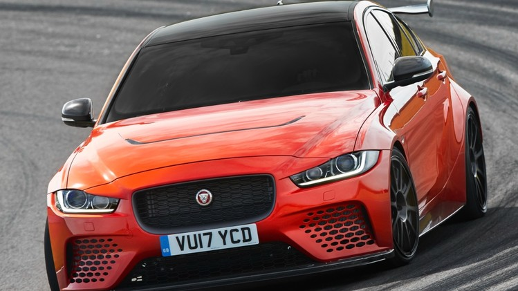 jaguar_xe_sv_project_8_9