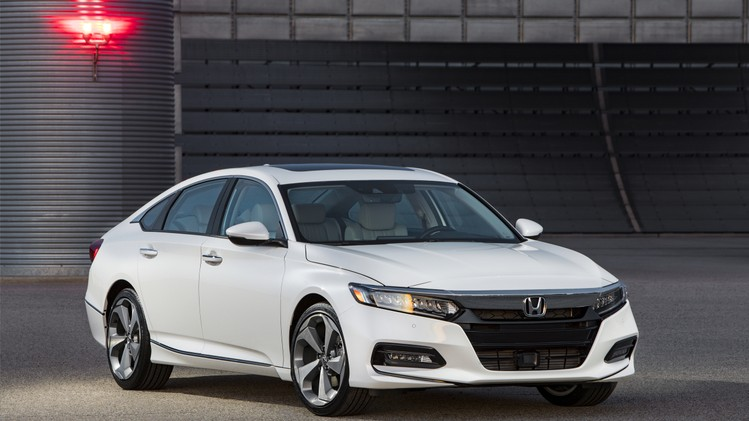 01-2018-honda-accord-touring-1