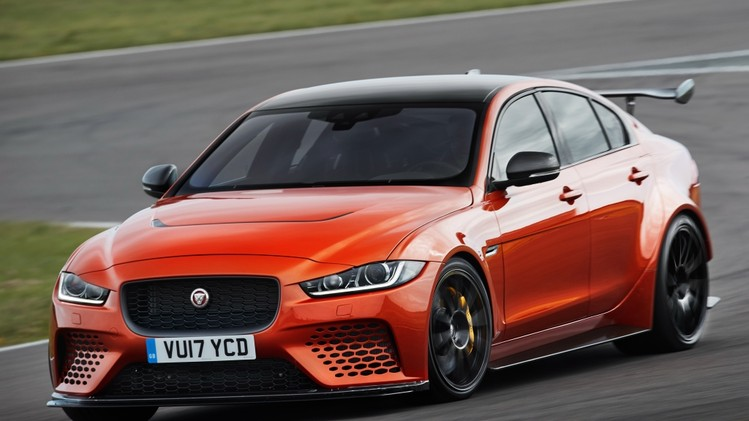 jaguar_xe_sv_project_8_1