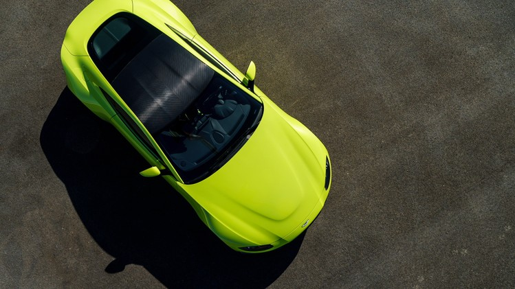 aston-martin-vantage_lime-essence_11
