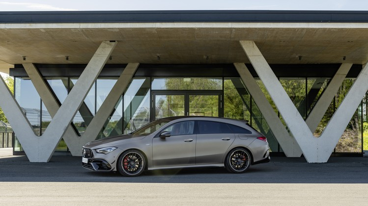 Mercedes-AMG CLA 45 4MATIC+ Shooting Brake
